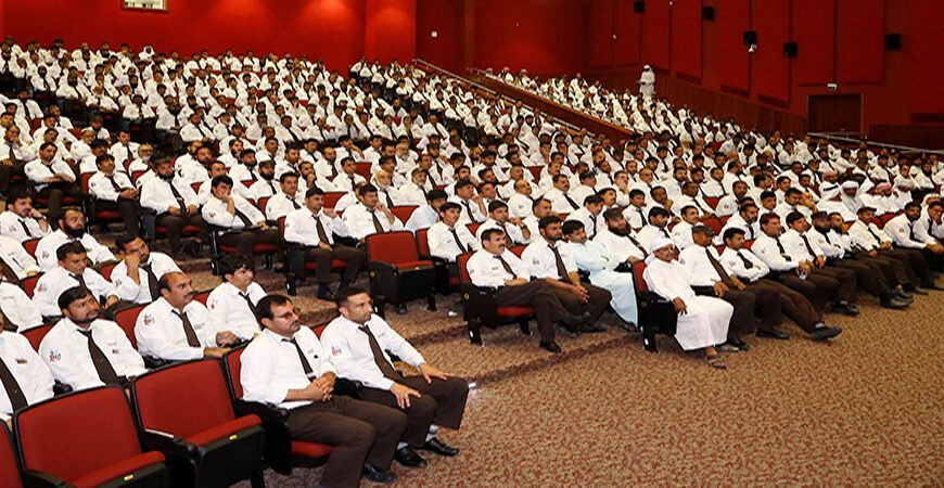 مواصلات الإمارات تنفذ برامج تدريبيّة متخصصة لسائقي ومشرفات النقل المدرسي استعداداً للعام الدراسي الجديد 2018-2019